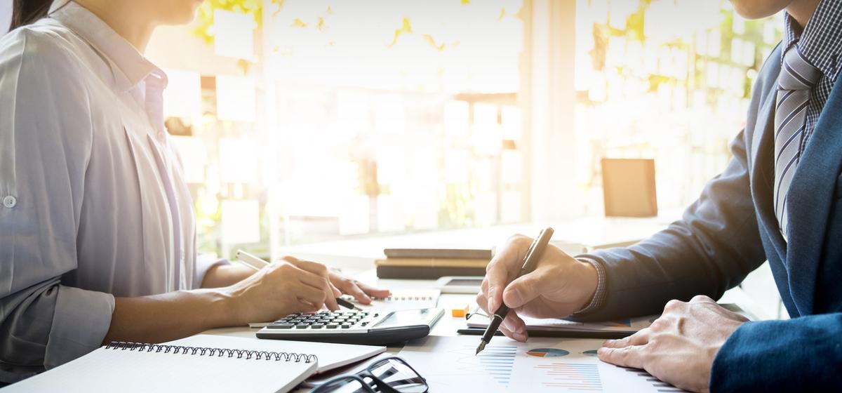 Gestión de empresas. Gestoría. Despacho de Abogados para gestionar empresas. Calendario fiscal de 2018 para empresas, autónomos, freelance, pymes y empresas.